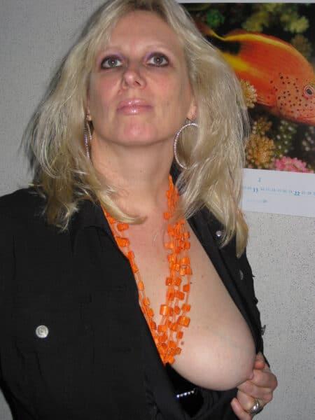 Femme mature recherche son amant pour un plan cul sur Caluire-et-Cuire
