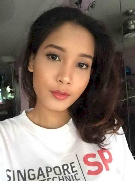 Femme asiatique sexy dominatrice pour libertin qui est docile