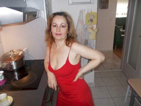Femme mature coquine docile pour mec sérieux